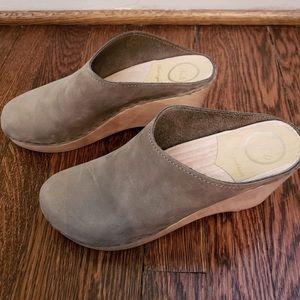 New No. 6 clogs size 38